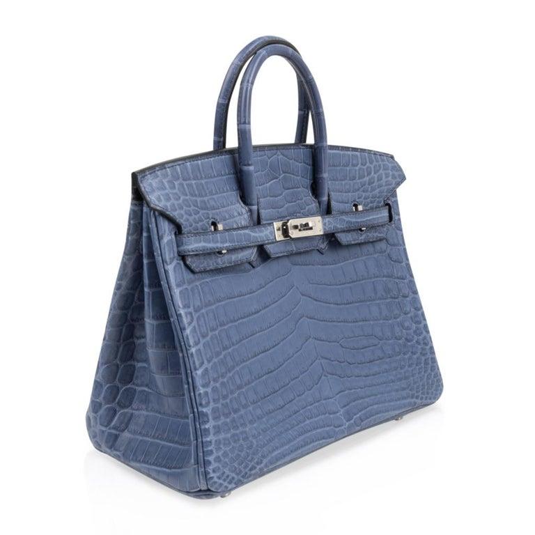 Hermes Birkin 25 Bag Blue Brighton Matte Crocodile Palladium Hardware In New Condition For Sale In Miami, FL