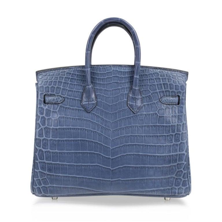 Hermes Birkin 25 Bag Blue Brighton Matte Crocodile Palladium Hardware For Sale 4