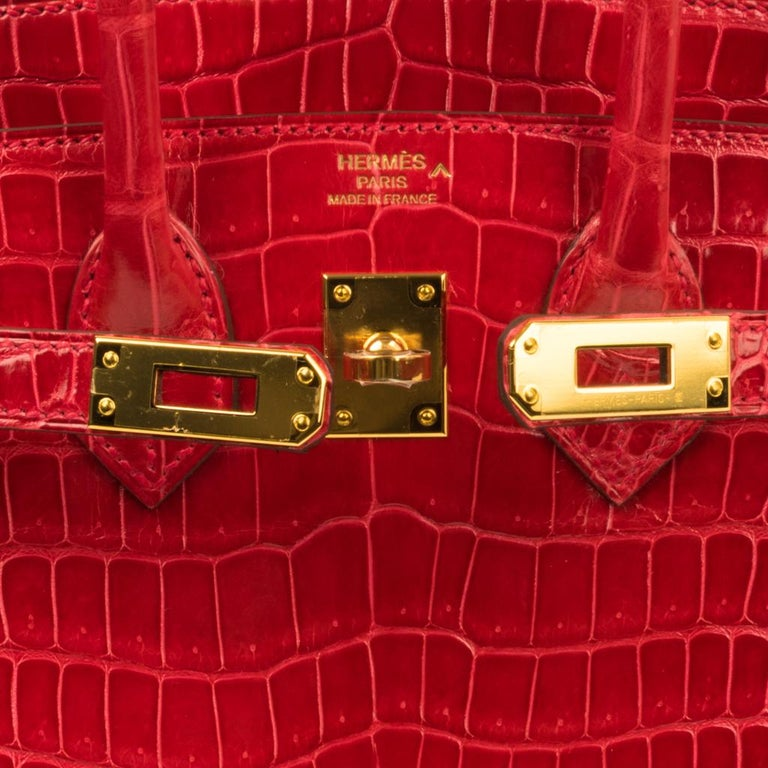 Hermes Birkin 25 Bag Braise Porosus Crocodile Gold Hardware Lipstick Red  In New Condition For Sale In Miami, FL