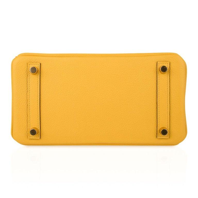 Hermes Birkin 25 Bag Jaune de Naples Novillo Gold Hardware For Sale 6