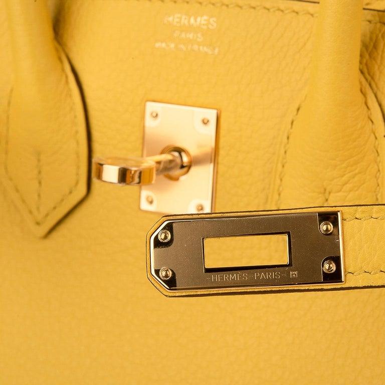 Hermes Birkin 25 Bag Jaune de Naples Novillo Gold Hardware In New Condition For Sale In Miami, FL