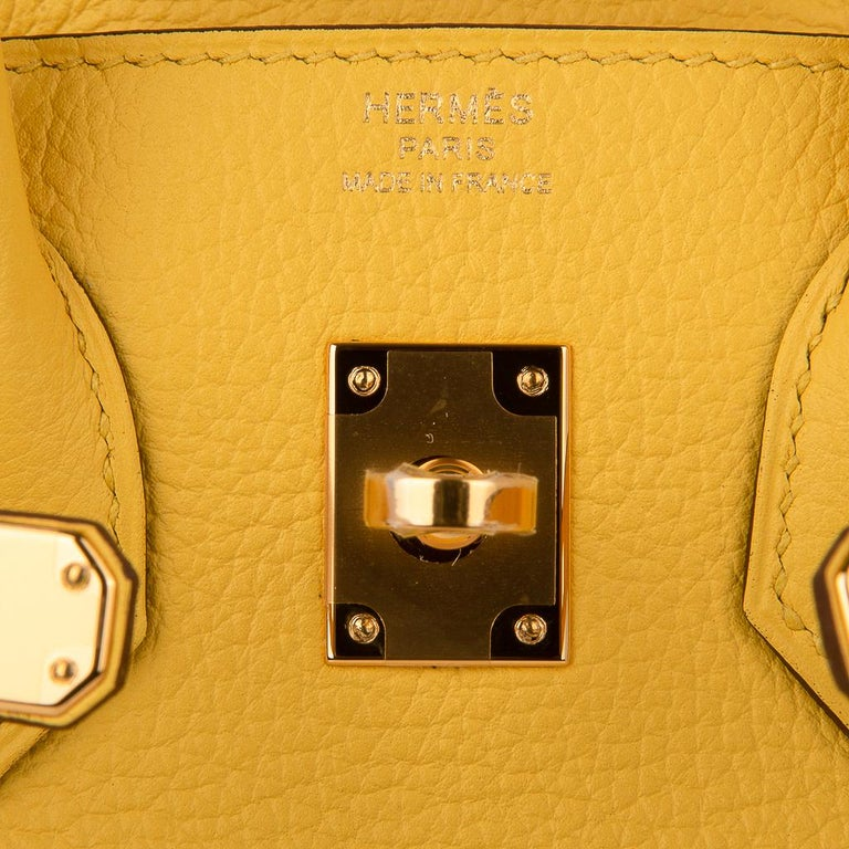 Women's Hermes Birkin 25 Bag Jaune de Naples Novillo Gold Hardware For Sale