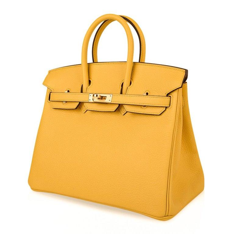 Hermes Birkin 25 Bag Jaune de Naples Novillo Gold Hardware For Sale 3