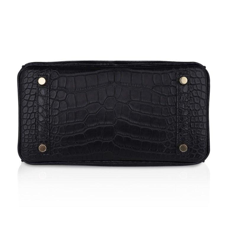 Hermes Birkin 25 Bag Matte Black Alligator Gold Hardware For Sale 6