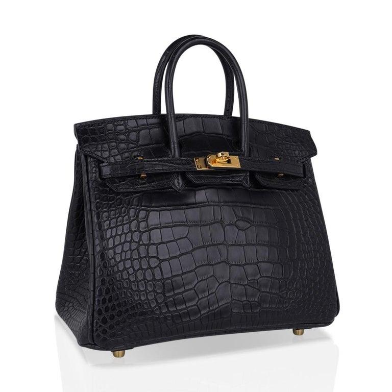Hermes Birkin 25 Bag Matte Black Alligator Gold Hardware For Sale 1
