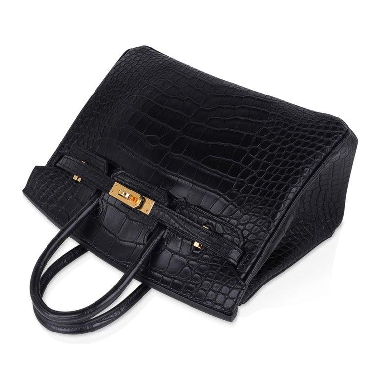 Hermes Birkin 25 Bag Matte Black Alligator Gold Hardware For Sale 2