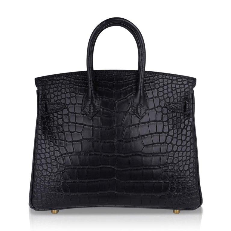 Hermes Birkin 25 Bag Matte Black Alligator Gold Hardware For Sale 5