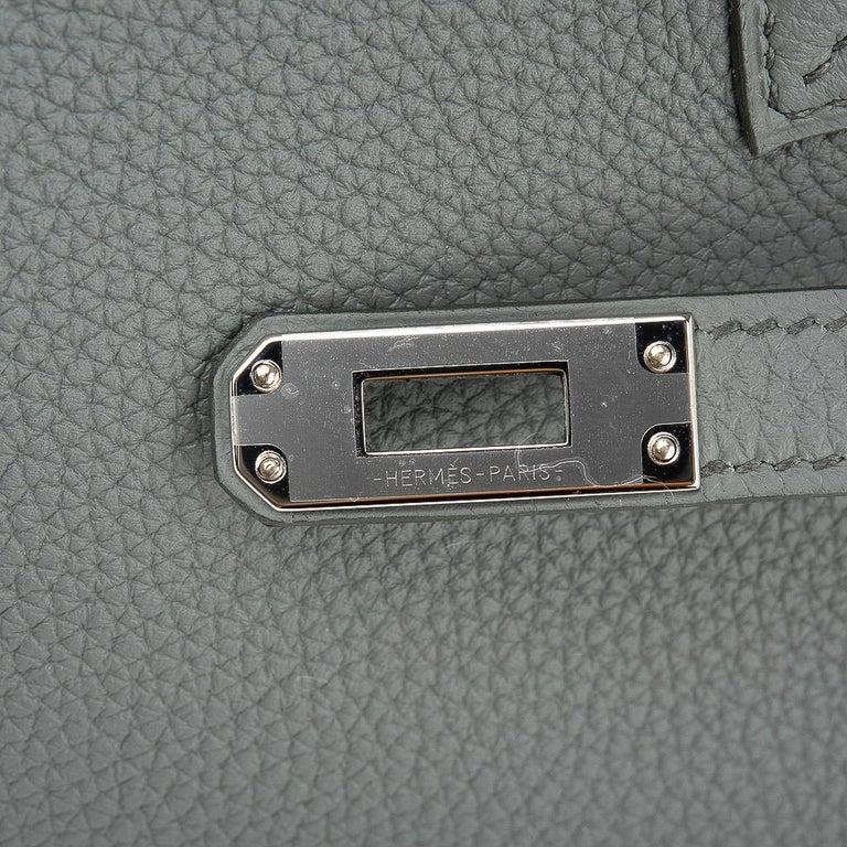 Hermes Birkin 25 Bag Vert Amande Togo Palladium Hardware In New Condition For Sale In Miami, FL