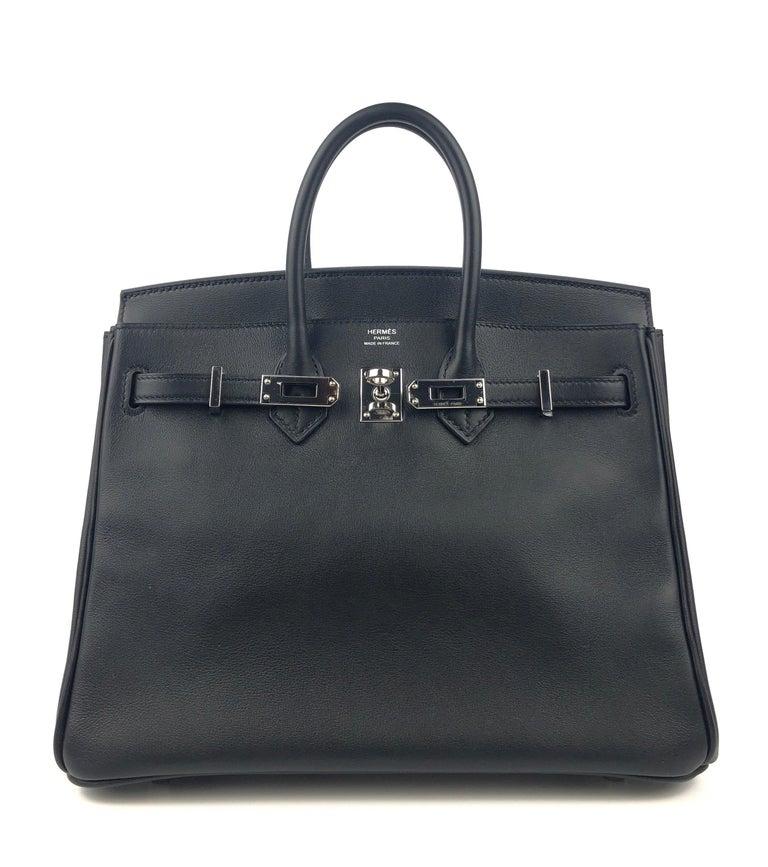 Hermes Birkin 25 Black Noir Palladium Hardware  In Excellent Condition For Sale In Miami, FL