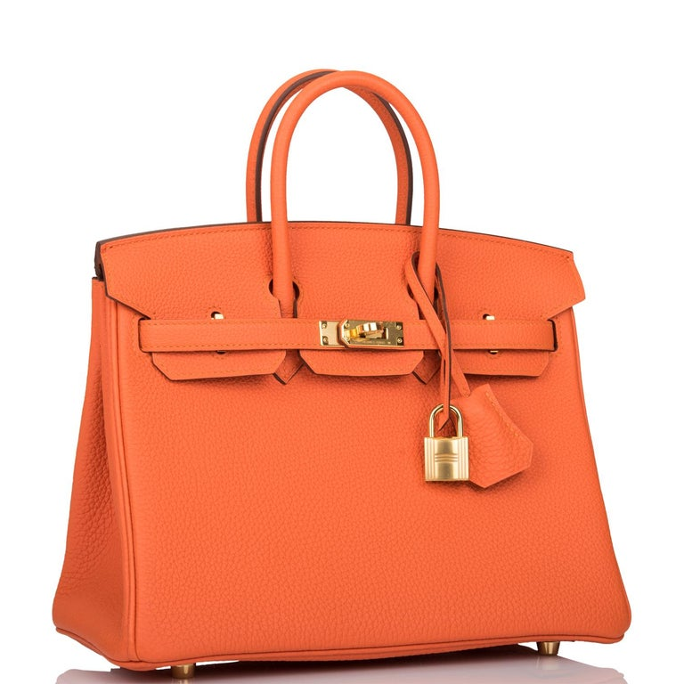 Hermès Birkin 25 cm  Togo Leather, the most durable leather  Orange Feu   Gold Hardware Stunning new Birkin Collection D Hermes box, tissue, lock , keys, clochette, booklet, ribbon