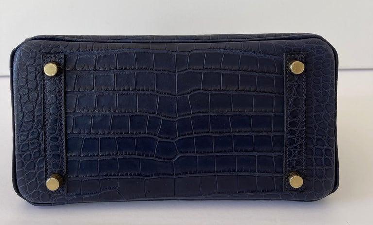 Hermes Birkin 25 Matte Alligator Blue Indigo Gold Hardware In New Condition For Sale In Delray Beach, FL