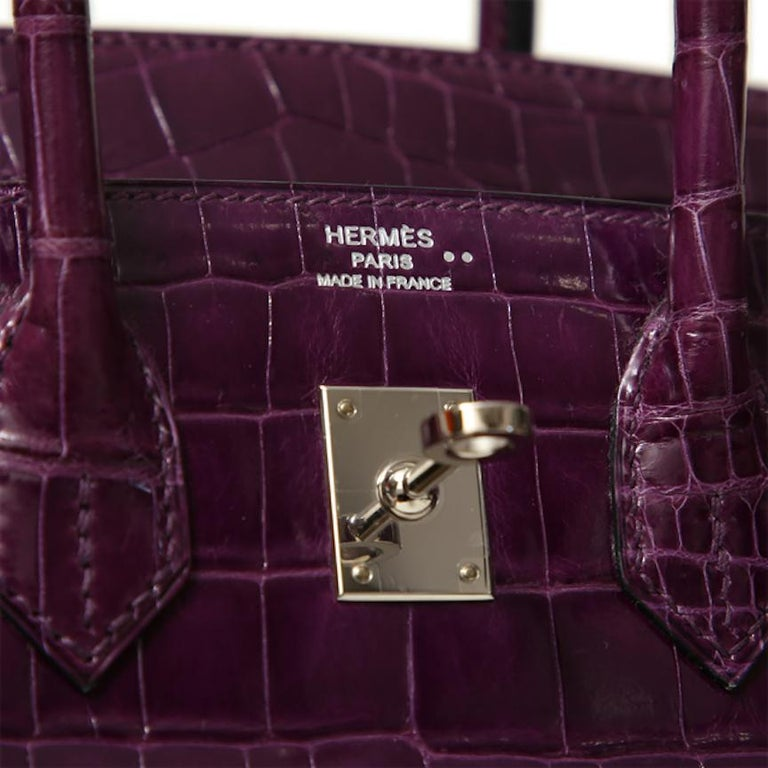 Hermes Birkin 25 Purple Crocodile Exotic Leather Top Handle Satchel Tote Bag In Good Condition In Chicago, IL