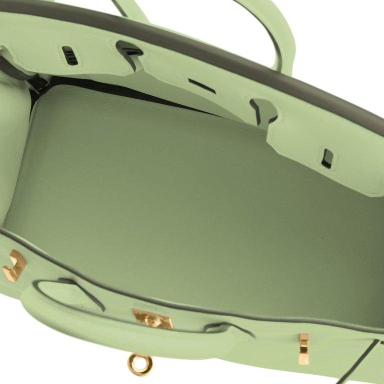 Hermes Birkin 25 Vert Criquet Chic Green Bag Gold Hardware Y Stamp, 2020 For Sale 6