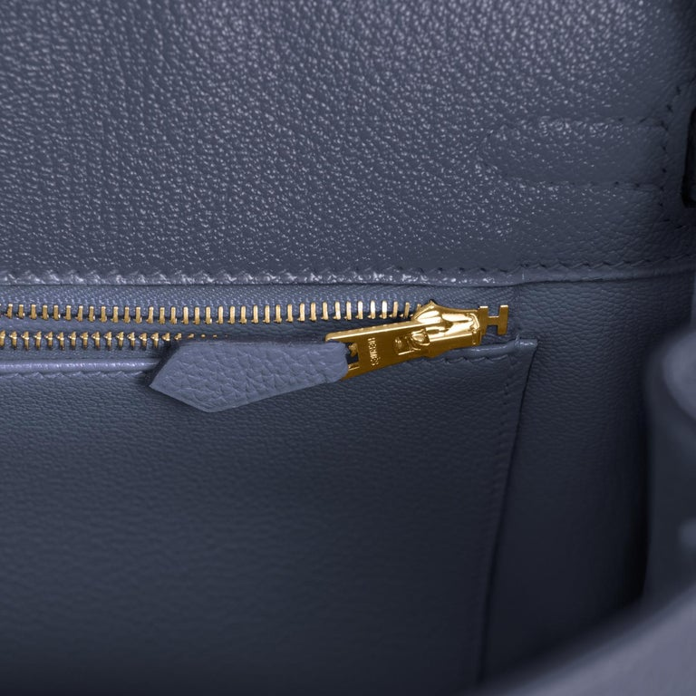 Hermes Birkin 25cm Blue Nuit Jewel-Toned Navy Gold Hardware Bag Y Stamp, 2020 For Sale 4