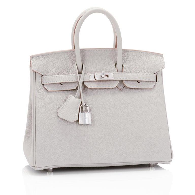 Women's or Men's Hermes Birkin 25cm Gris Perle Togo Bag Palladium Hardware Pearl Gray Baby Birkin For Sale