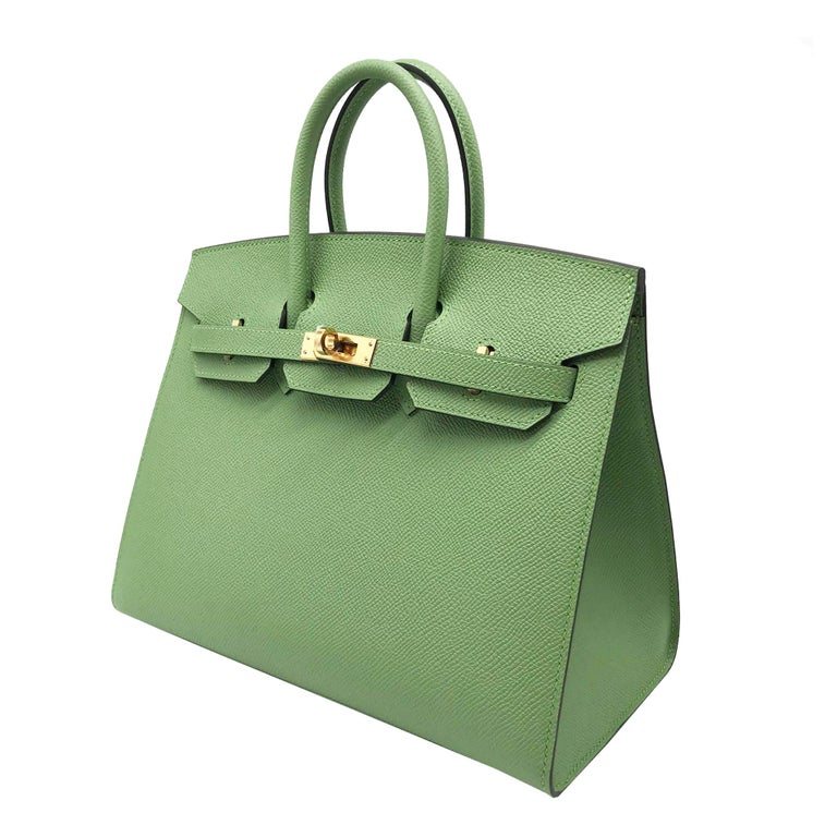 Hermès Birkin 25cm Sellier Vert Criquet Epsom Leather Gold Hardware In New Condition For Sale In Jakarta, IN