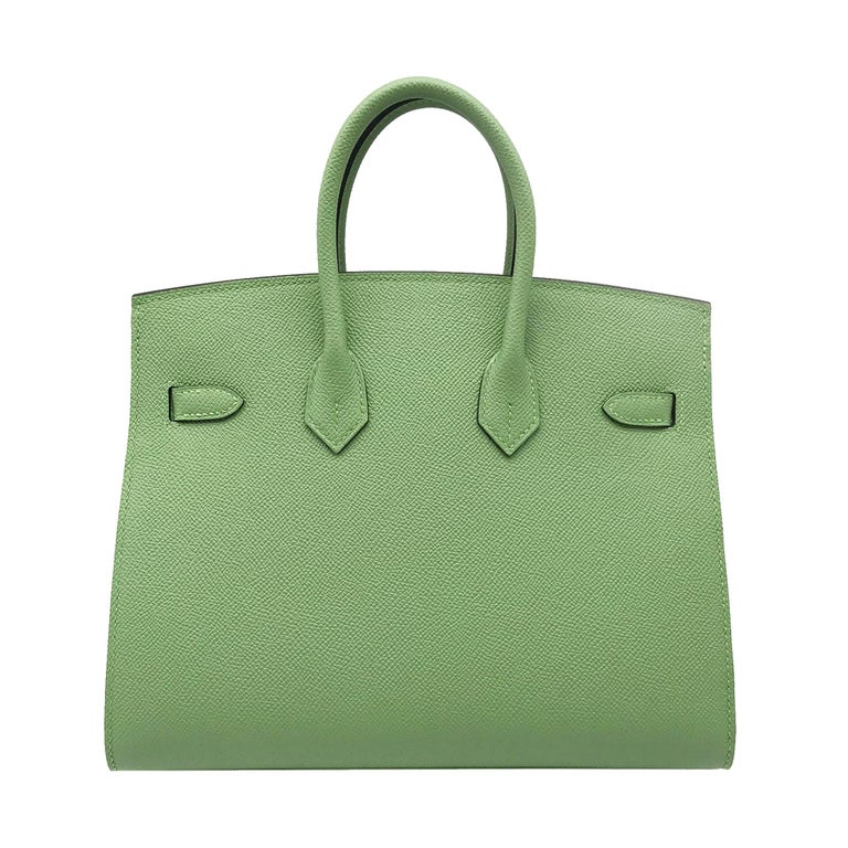 Women's or Men's Hermès Birkin 25cm Sellier Vert Criquet Epsom Leather Gold Hardware For Sale