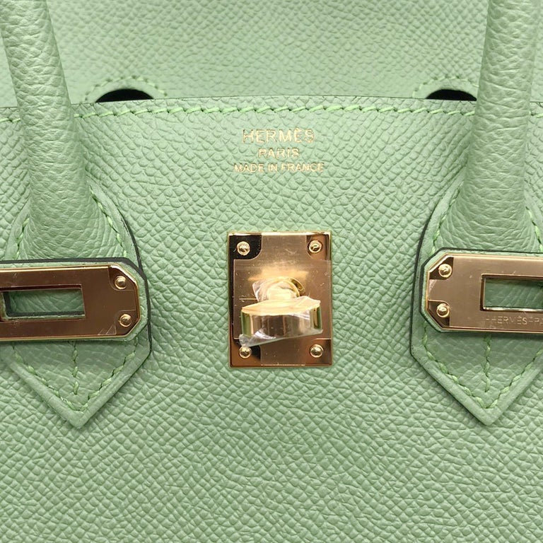 Hermès Birkin 25cm Sellier Vert Criquet Epsom Leather Gold Hardware For Sale 2
