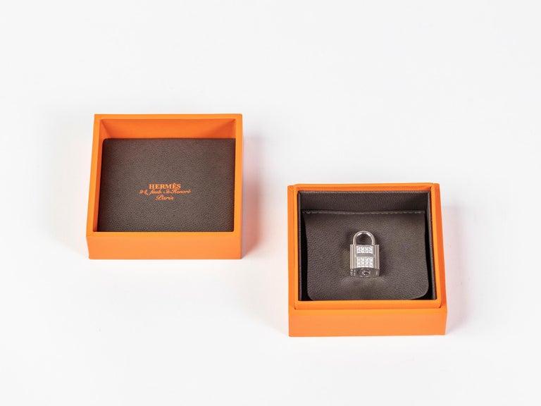 Women's or Men's Hermes Birkin 25cm Vert Fonce Porosus with Diamond hardware For Sale
