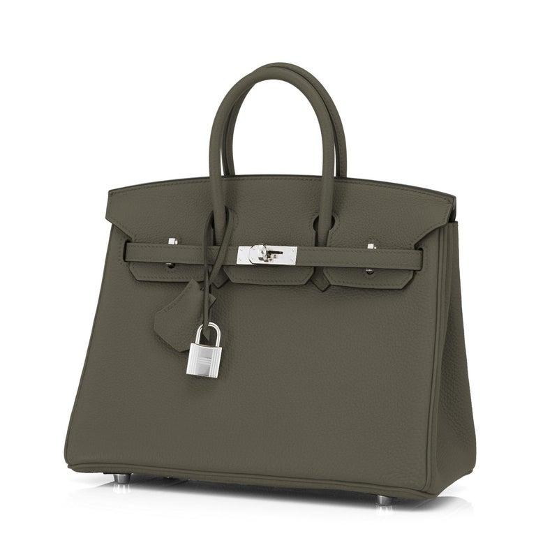 Women's or Men's Hermes Birkin 25cm Vert Maquis Military Green Togo Palladium Bag Y Stamp, 2020  For Sale