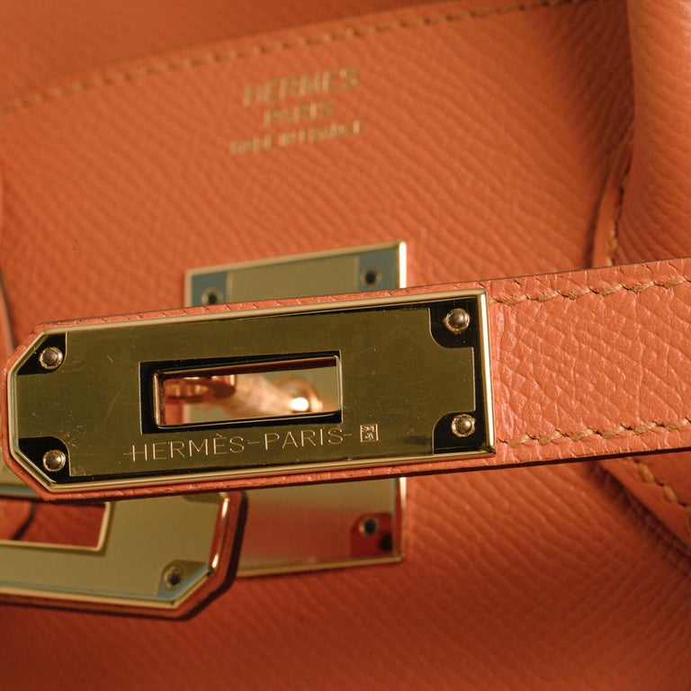 Hermes Birkin 30 Bag Abricot Gold Hardware Epsom Leather New w/ Box In New Condition For Sale In Miami, FL