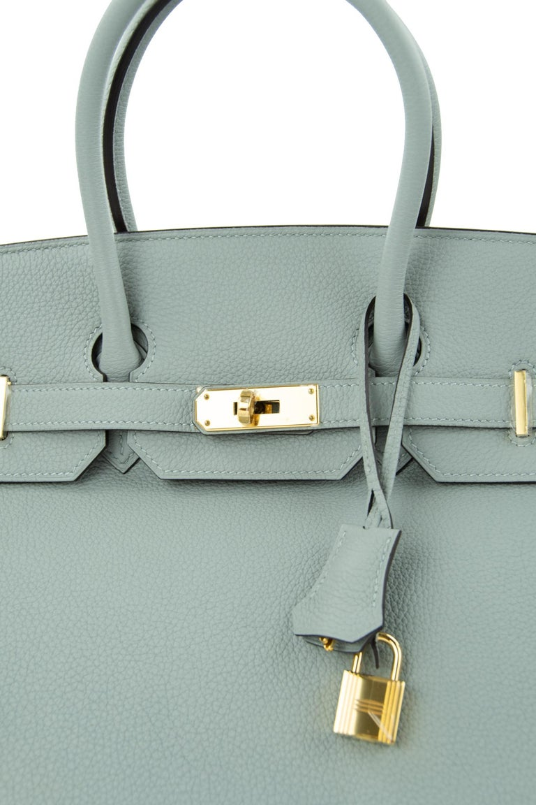 Hermes Birkin 30 Bag Gris Mouette Togo GHW In Excellent Condition For Sale In Newport, RI