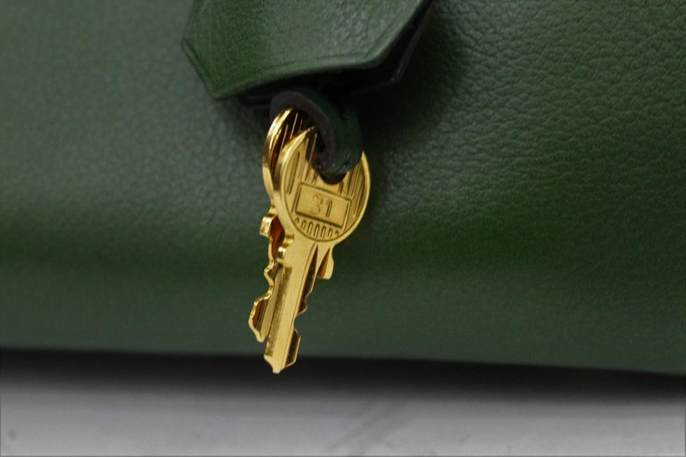 Hermes Birkin 30 Swift Green Leather  In Excellent Condition For Sale In Torre Del Greco, IT