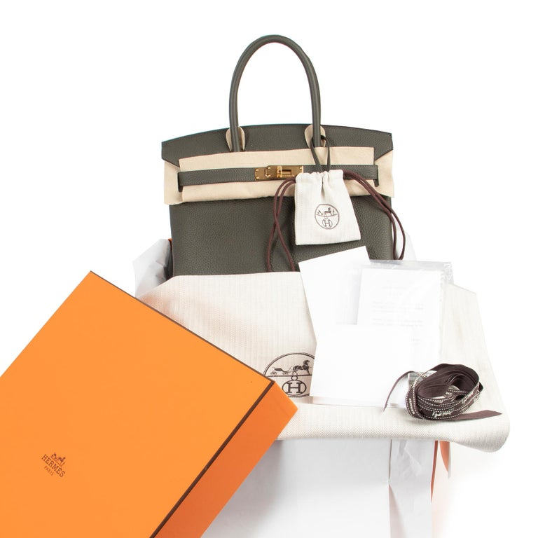 Hermes Birkin 30 Togo Vert De Gris GHW  Alluring and captivating: this Hermès Birkin bag is a realmust-have!!!  The Birkin is at the top of every lover of luxury. Thiscombination of theHermès Birkin , Vert De GrIS, the30size and gold tone