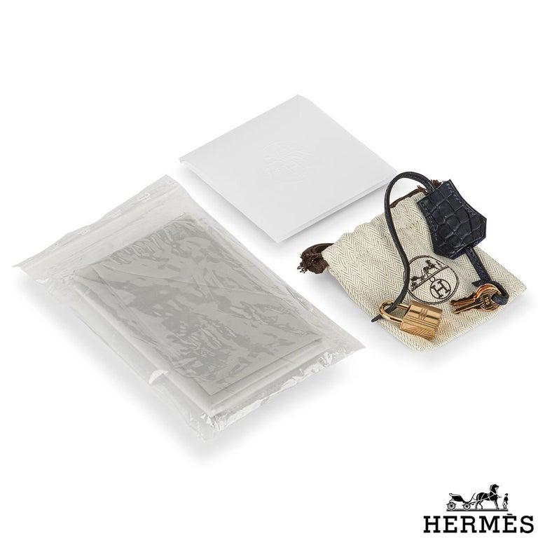 Hermès Birkin 30cm Bleu Saphir/Bleu Marine Touch Alligator/Novillo RGHW For Sale 4