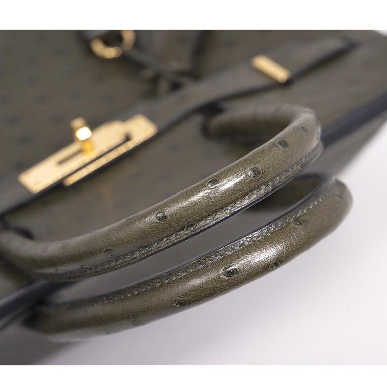 Hermes Birkin 30cm Ostrich Leather Exotic Vert Olive Gold Tone Hardware Handbag  For Sale 5