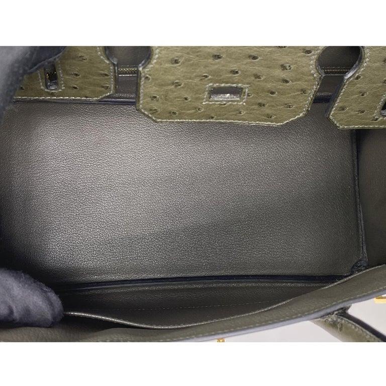 Hermes Birkin 30cm Ostrich Leather Exotic Vert Olive Gold Tone Hardware Handbag  For Sale 2
