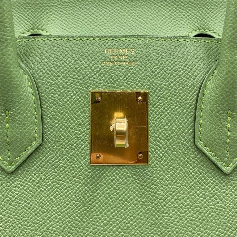 Green Hermès Birkin 30cm Sellier Vert Criquet Epsom Leather Gold Hardware For Sale