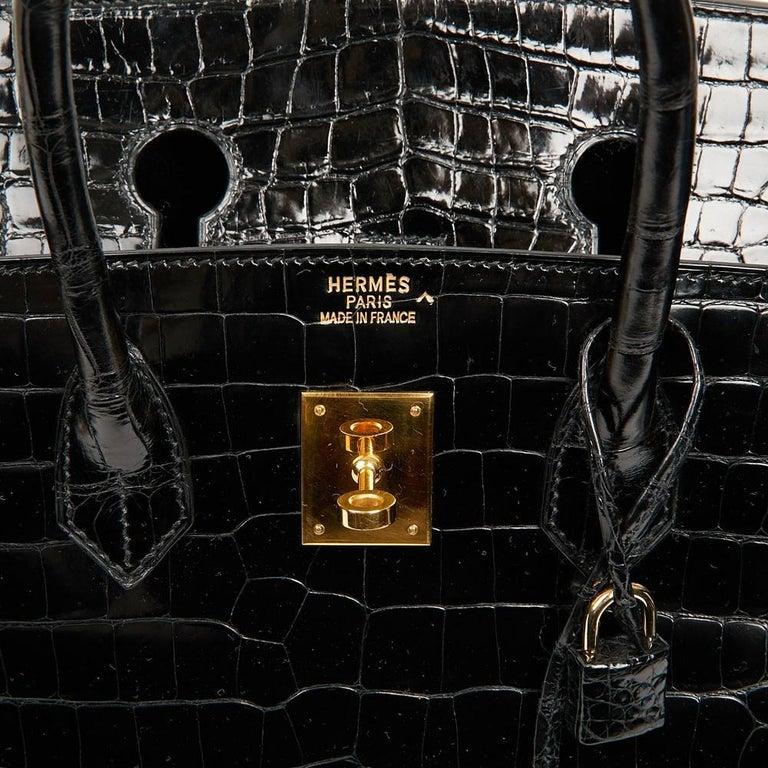 Women's Hermes Birkin 35 Black Crocodile Bag And Golden Jewelry For Sale