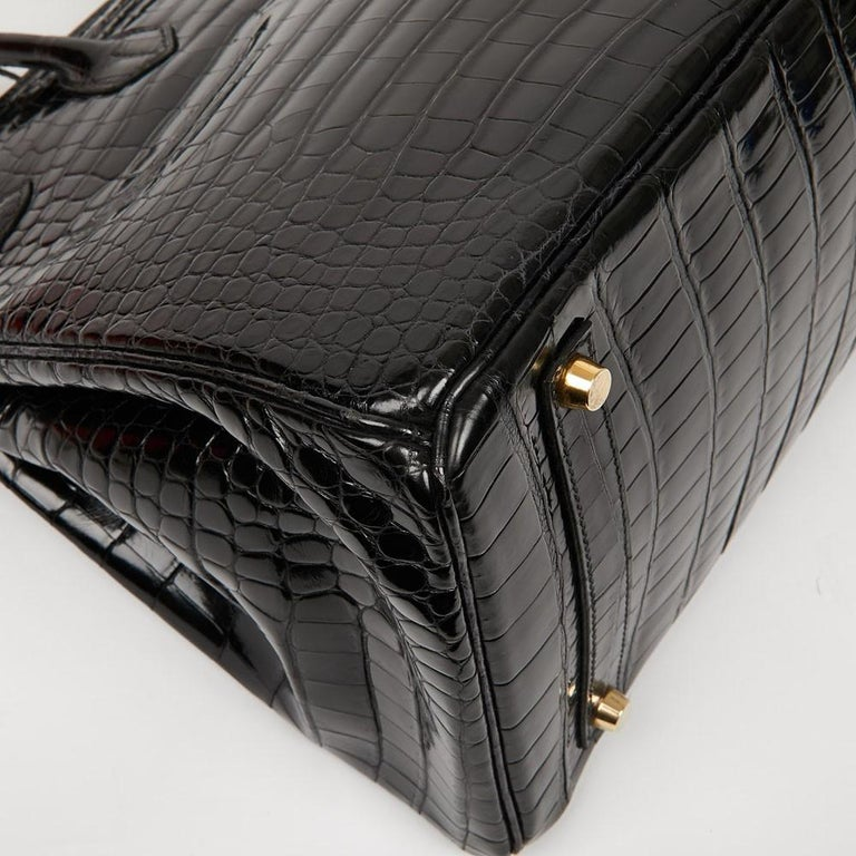 Hermes Birkin 35 Black Crocodile Bag And Golden Jewelry For Sale 5