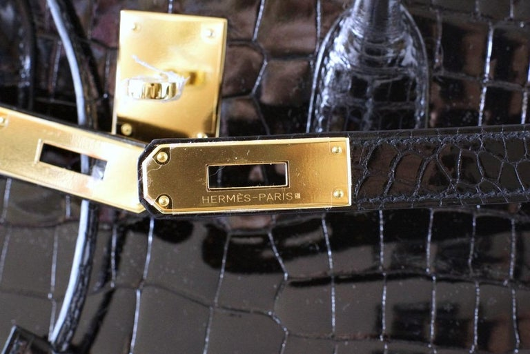 Women's Hermes Birkin 35 Bag Black Porosus Crocodile Gold Hardware  For Sale