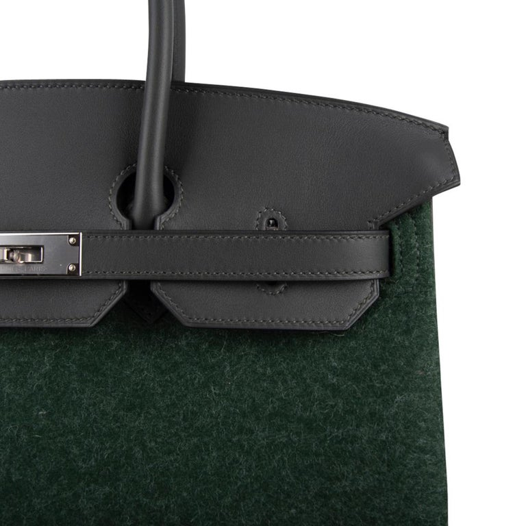 Hermes Birkin 35 Limited Edition Bi-Color Vert Anglais Feutre Vert Cypress Swift In New Condition For Sale In Miami, FL