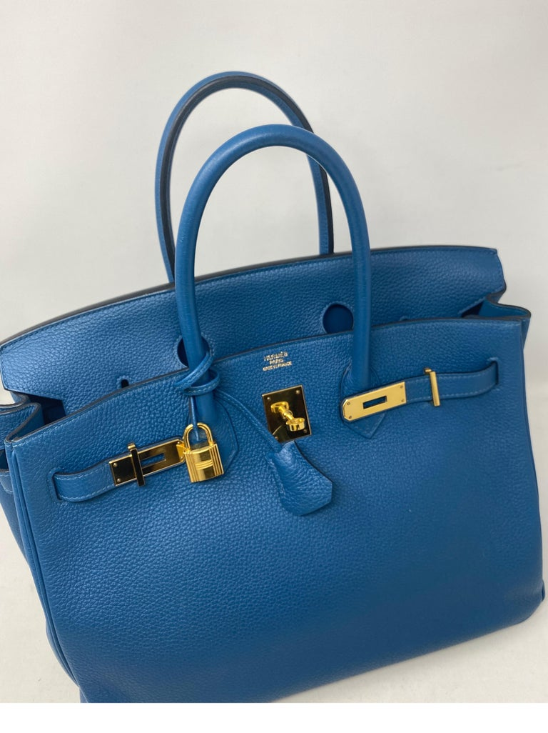 Hermes Birkin Blue Colvert 35 Bag  In Excellent Condition For Sale In Athens, GA