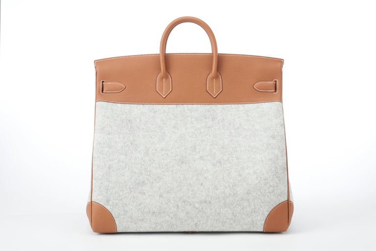 Hermes Birkin HAC 50cm TODOO in Gold Togo leather and Gris Clair Wool Felt In New Condition For Sale In Sheridan, WY