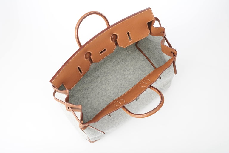 Hermes Birkin HAC 50cm TODOO in Gold Togo leather and Gris Clair Wool Felt For Sale 1