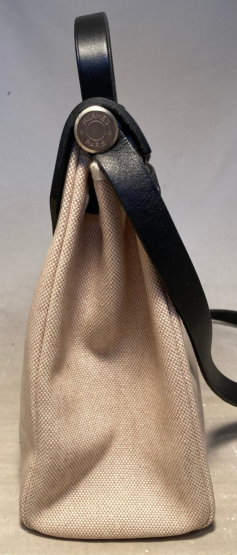 Hermes Black and Beige Canvas Herbag Tote  In Good Condition For Sale In Philadelphia, PA