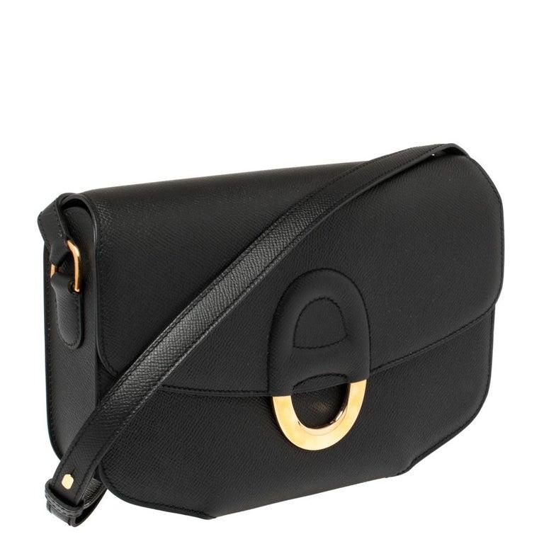 Hermes Black Epsom Leather Gold Hardware Cherche Midi 25 Bag In Good Condition In Dubai, Al Qouz 2