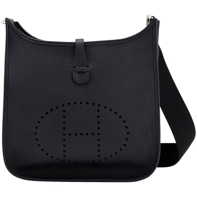 Hermes Black Evelyne III 29cm PM Cross-Body Messenger Bag NEW GIFT For Sale