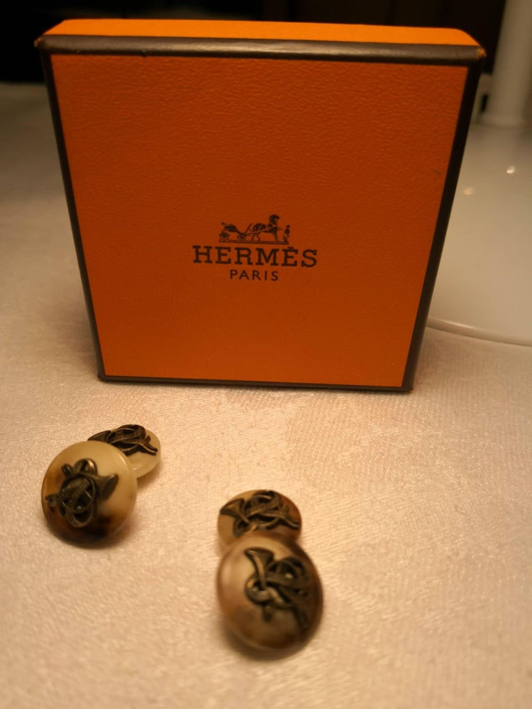 Hand-Crafted Hermes Black Forest Pair of Cufflinks in Horn For Sale