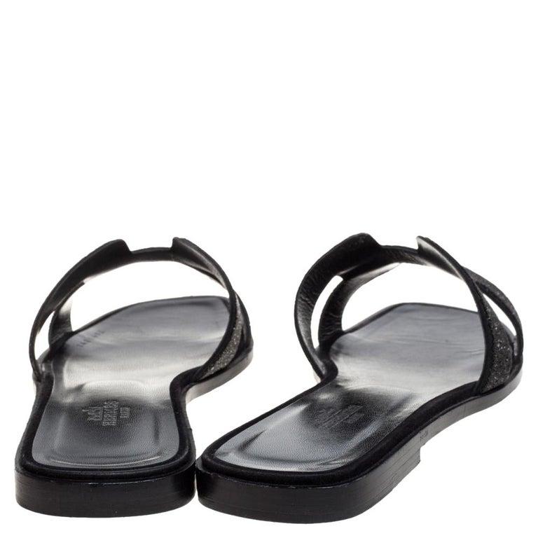 Women's Hermes Black Glitter Leather Oran Flat Slides Size 38.5 For Sale