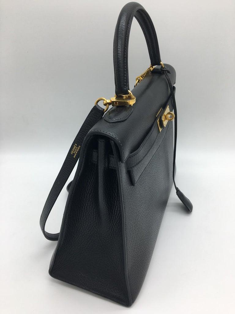 Hermes Black Kelly 32cm in Evergrain For Sale 1