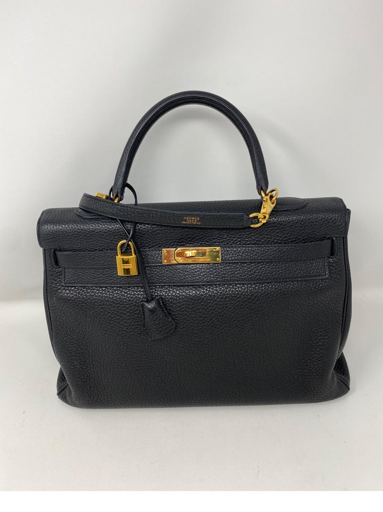 Hermes Black Kelly 35 Togo Bag  In Good Condition For Sale In Athens, GA