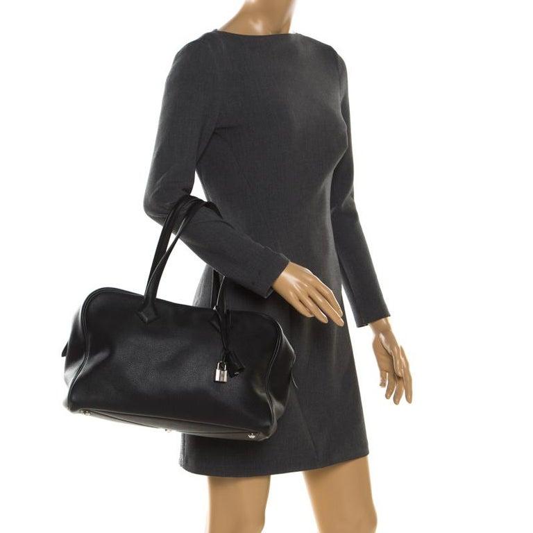 Hermes Black Leather Victoria II Fourre Tout 35 Bag In Good Condition For Sale In Dubai, Al Qouz 2