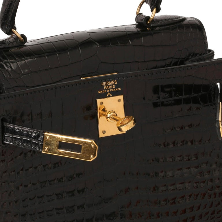 Hermès Black Shiny Porosus Crocodile Leather Vintage Kelly 20cm Sellier In Excellent Condition In Bishop's Stortford, Hertfordshire