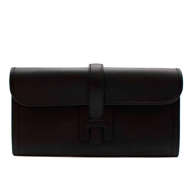 Hermes Black Swift Leather Jige Elan 29 Clutch  With its simple and sophisticated design the Jige Elan Clutch is both classic and minimal, crafted to perfection by the most experienced artisans at Hermes you can't go wrong with this clutch. As it is