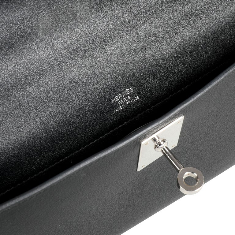 Hermès Black Swift Leather Kelly Cut PHW For Sale 3